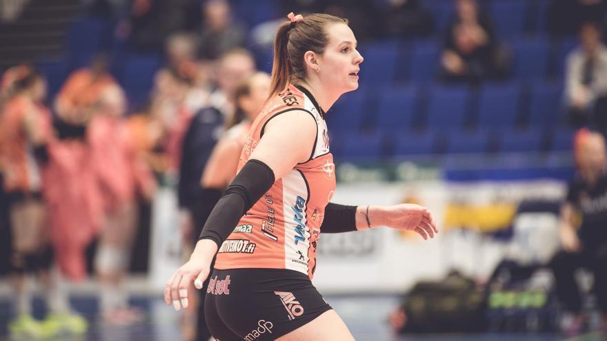 Vicky Savard procede del Minis Arluy Logroño de la Superliga Femenina de voleibol