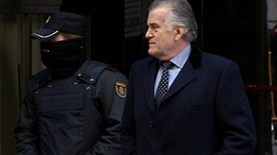 Bárcenas pide permiso a Ruz para irse 14 días de vacaciones