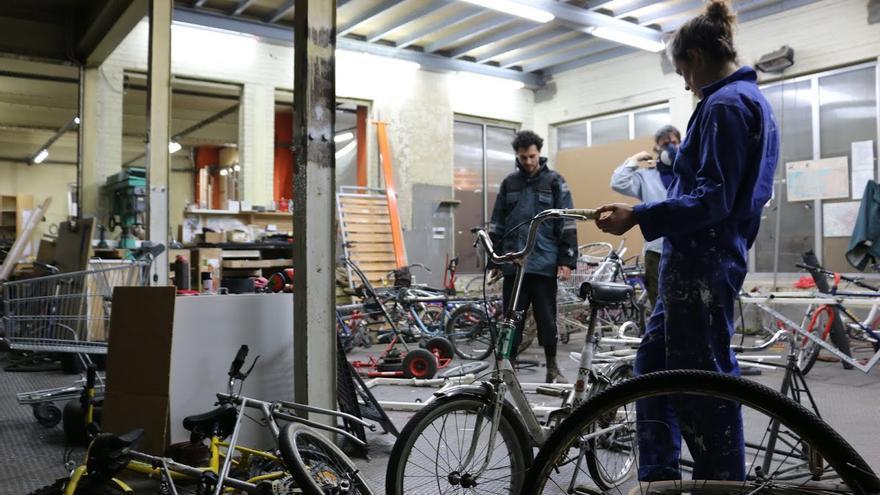 En la tercera planta hay un taller de bicicletas / Foto: José Bautista