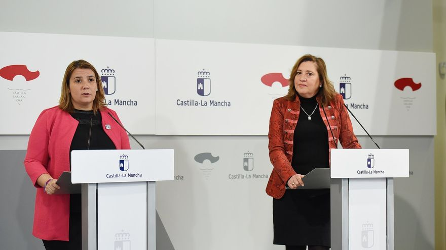 La consejera de Educación Rosa Ana Rodríguez y la presidenta de la FEMP en Castilla-La Mancha Tita García Élez FOTO: JCCM