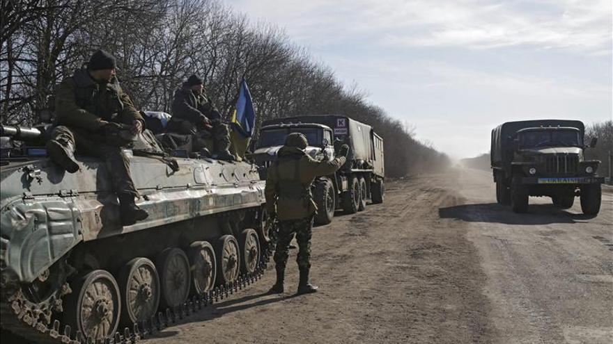 El mando rebelde anuncia el comienzo del repliegue masivo de su armamento pesado
