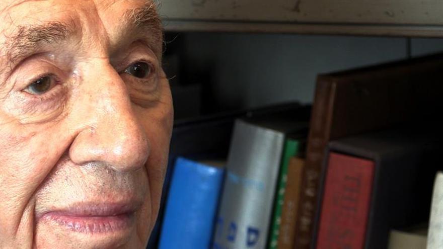 Colocan un marcapasos al expresidente israelí y Nobel de la paz Simón Peres