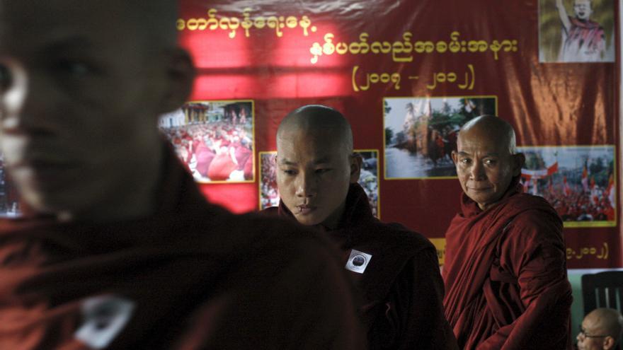 """Detenido uno de los monjes que lideraron la """"revolución azafrán"""" en Birmania"""