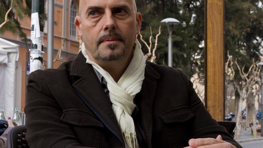 El 'performer' archenero Domix Garrido / Elisa Reche