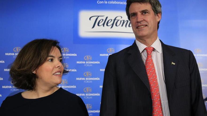 S.Santamaría pide a Rivera respeto a Rajoy porque hay expresiones que sobran