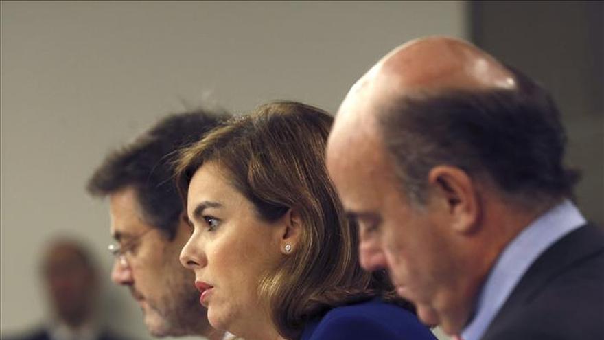 Sáenz de Santamaría le dice a Mas que le será difícil explicar en la UE su aspiración soberanista