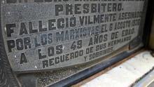 Lápida de una víctima de la violencia izquierdista en la guerra civil. |