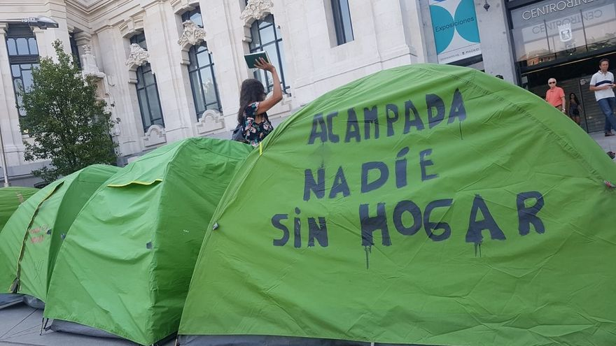 """Más Madrid carga contra la """"criminalización"""" del Ayuntamiento a los sin techo tras el desalojo de su acampada"""