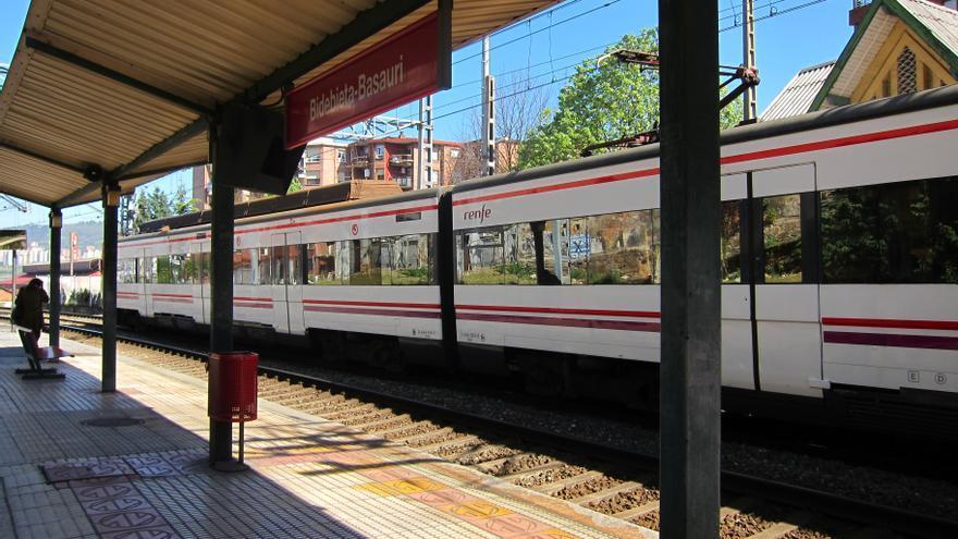 """Renfe refuerza el servicio de Cercanías con más de 2.000 plazas para la XXV Carrera Popular """"Desde Santurce a Bilbao"""""""