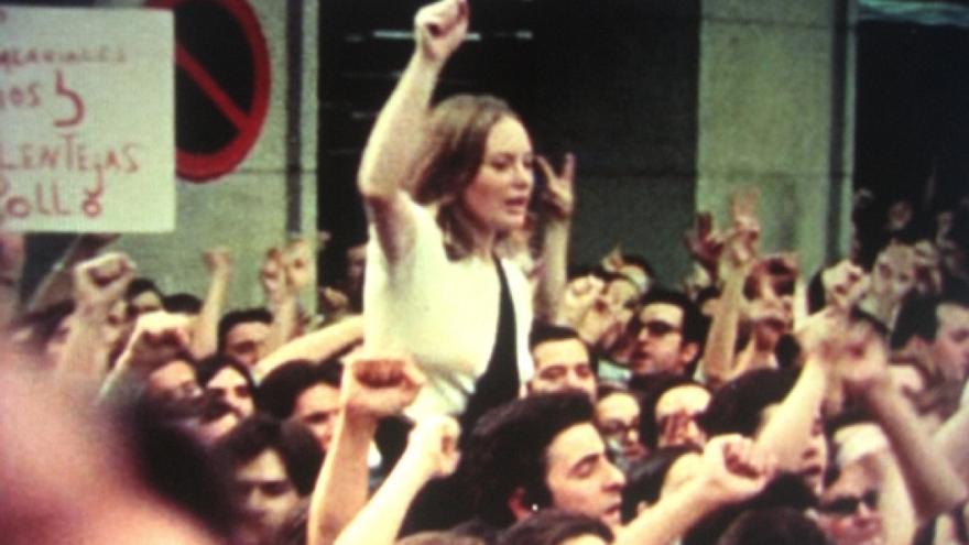 Fotograma de Informe General, un documental de Pere Portabella sobre la transición española