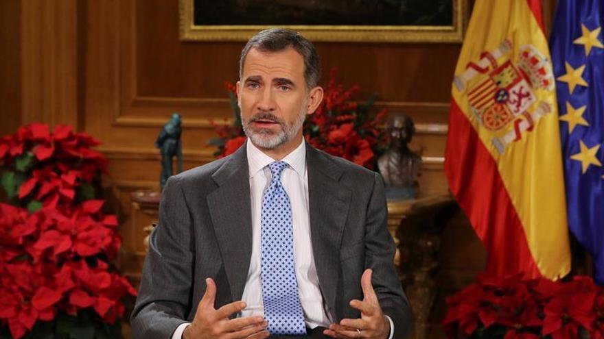 El Rey pide respetar la pluralidad en Cataluña sin imponer ideas frente a los derechos