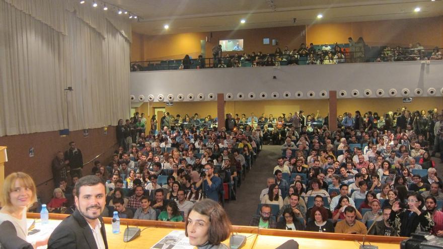 Alberto Garzón confía en dar la sorpresa y llama a votar a los barrios populares