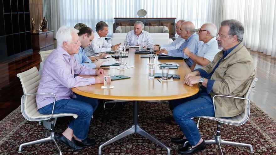 El presidente Michel Temer y un grupo de ministros se ha reunido en Brasilia para buscar soluciones urgentes a la problemática