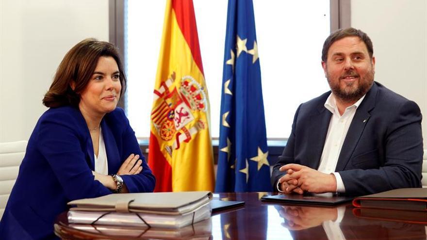 Oriol Junqueras y Soraya Sáenz Santamaría se reúnen hoy en Moncloa