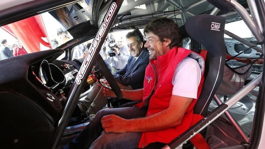 Óscar Freire promocionará el Año Jubilar con el Kia que pilotará en el Campeonato de Rallies de Asfaltado