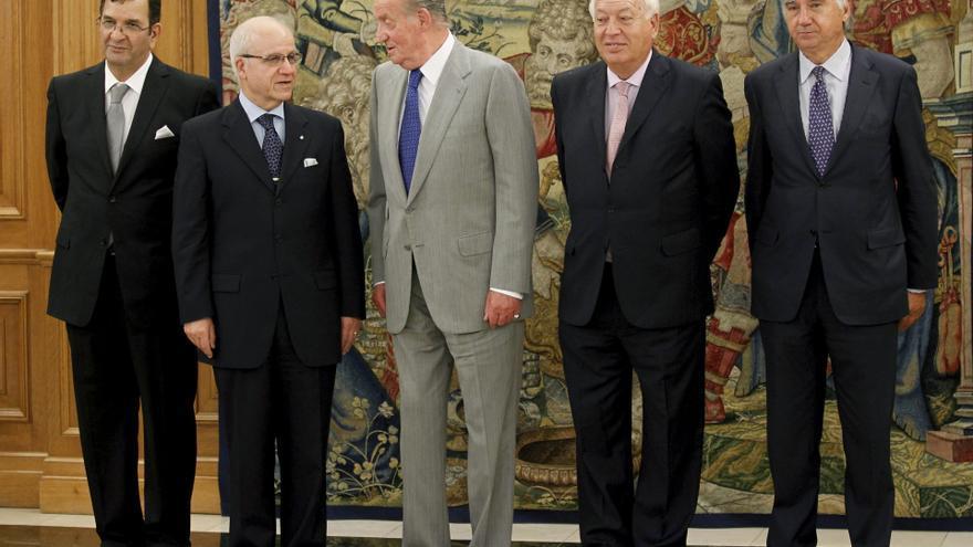 El rey y Medelci tratan la cooperación bilateral entre España y Argelia y la situación en el mundo árabe