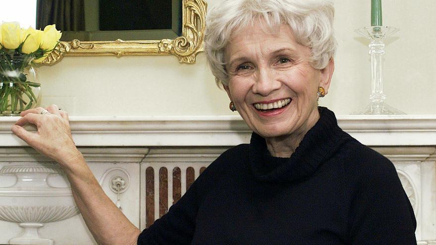 La escritora canadiense Alice Munro, premio Nobel de Literatura 2013. / AP / Gtresonline