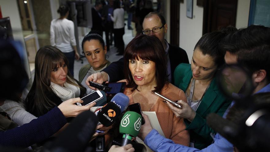 """Micaela Navarro reprocha a Rajoy que no reclame el escaño a Barberá, con lo """"exigente"""" que es con los imputados del PSOE"""