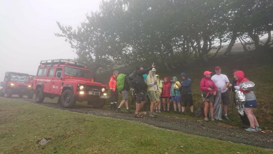 Rescatados 20 peregrinos en Lepoeder y trasladados a Roncesvalles