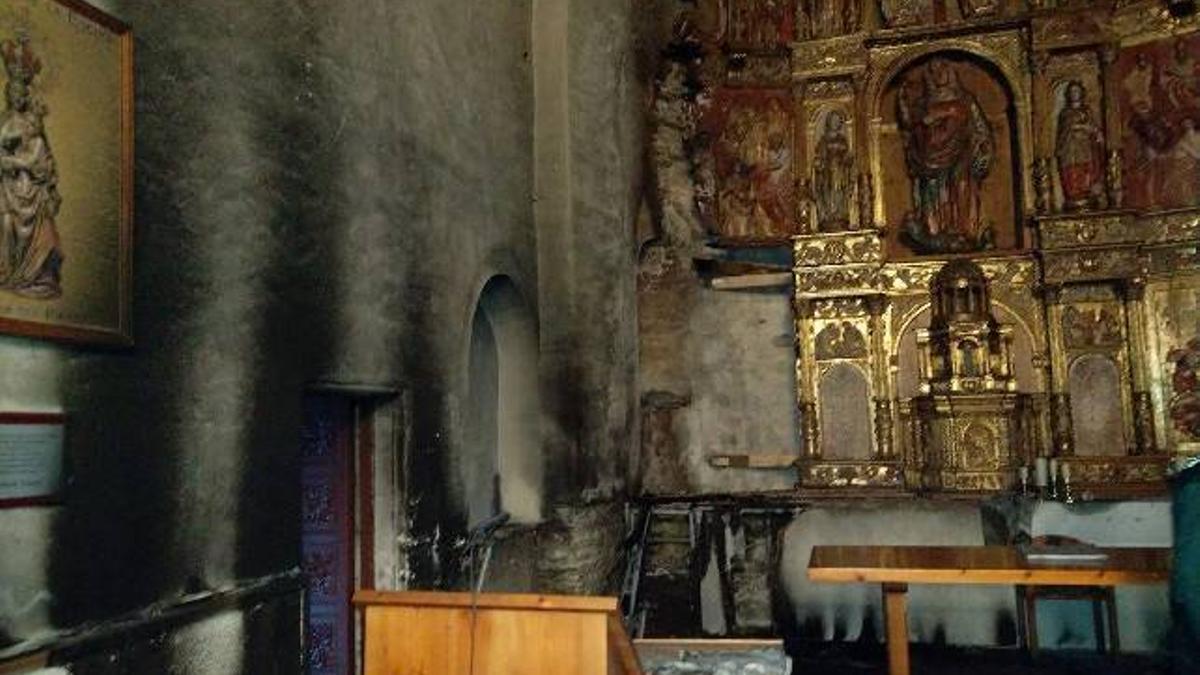 Incendio en la Iglesia de Santa Marina de Balboa.