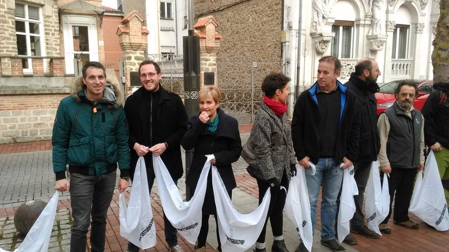"""EH Bildu reclama """"adaptar"""" la legislación para acercar a los presos de ETA a Euskadi"""