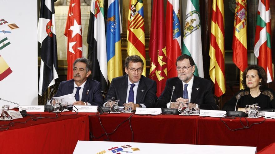 """Comienza la Conferencia de Presidentes con la financiación autonómica como principal """"caballo de batalla"""" para Cantabria"""