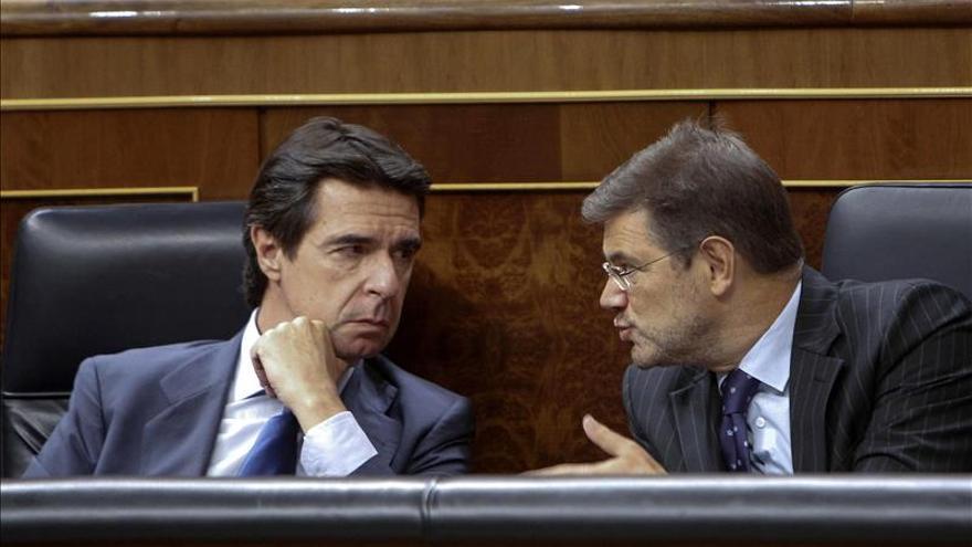 Catalá pide a las acusaciones que acrediten el conflicto de intereses de López y Espejel