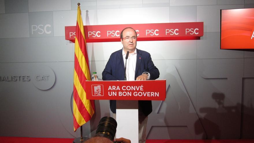 "Iceta opina que el Rey abrirá un periodo de reflexión e insta a Rajoy ""a hacer algo"""