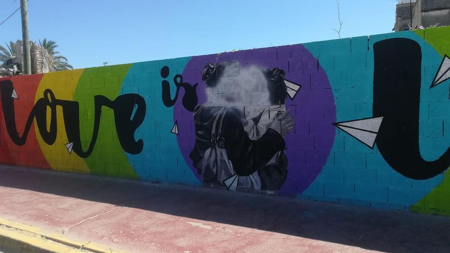 Imagen del mural de conmemoración del Orgullo LGTBI que ha sufrido el ataque