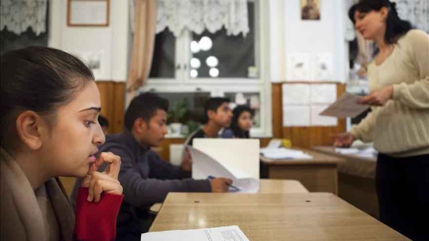 Los niños gitanos rumanos se agarran a la educación para salir de la pobreza