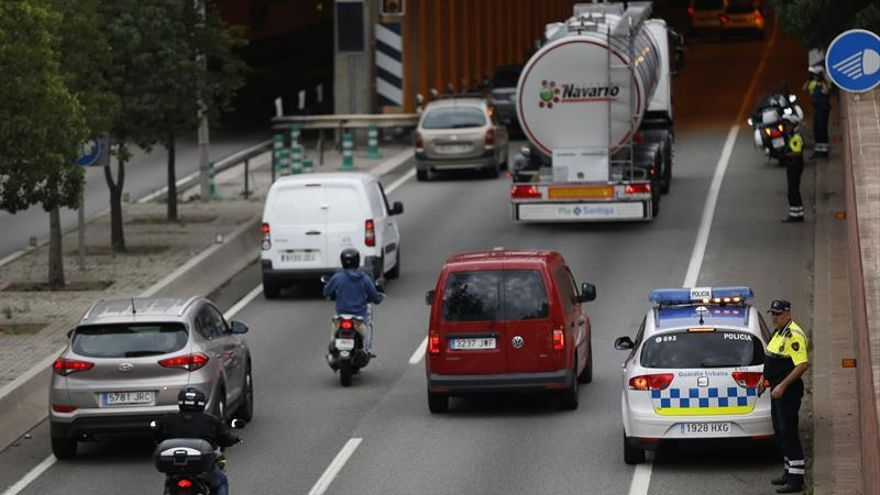 Caos en las carreteras catalanas con 37 de ellas cortadas y colas kilométricas