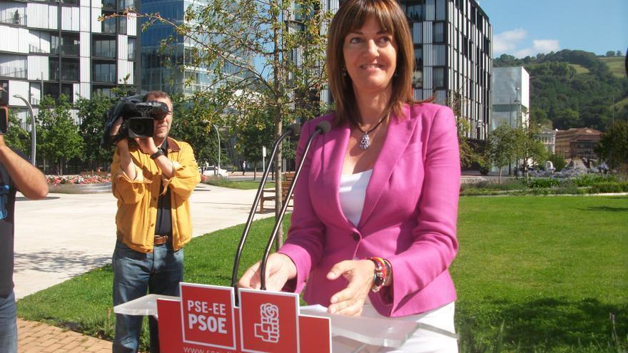 Idoia Mendia presenta su candidatura a liderar el PSE-EE en la Plaza Euskadi en Bilbao.