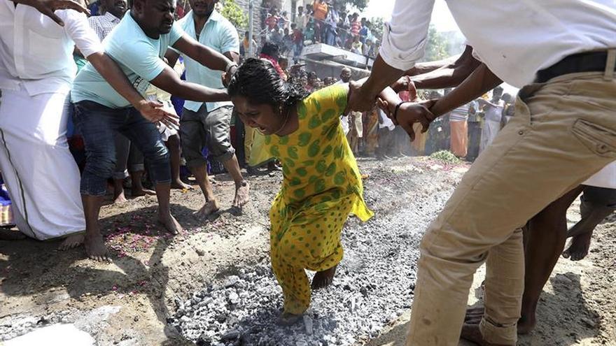 Dolor y sangre para regar la fertilidad en la India