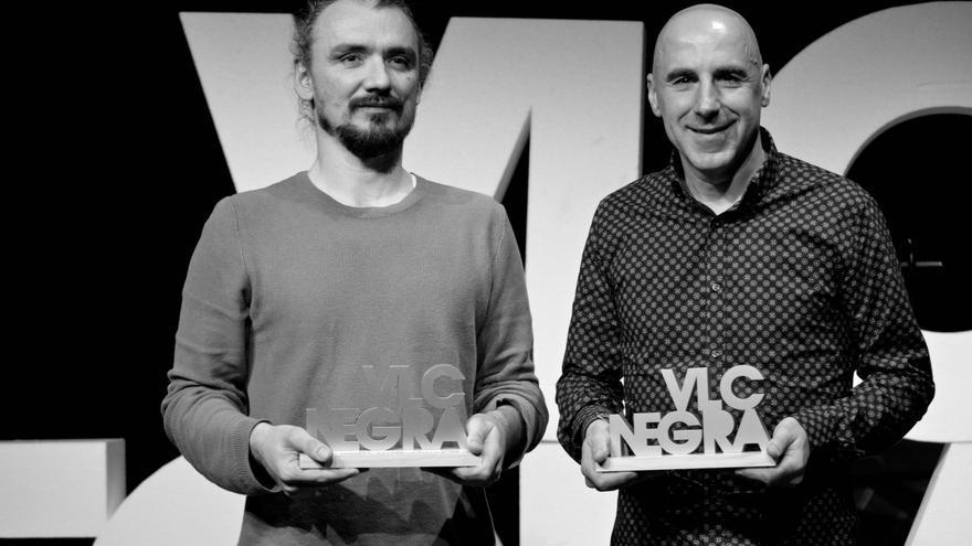 David Llorente y Silvestre Vilaplana recogiendo los premios de la VLC Negra.