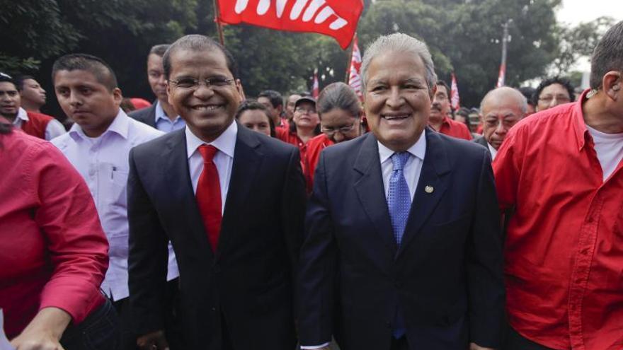 Encuesta apunta a empate técnico en El Salvador entre oficialista y opositor