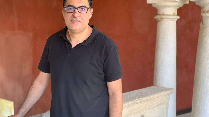 El experto en inteligencia artificial, durante la entrevista en la UNIA, en Baeza.