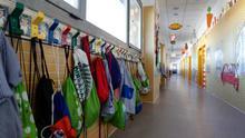 Andalucía planea la vuelta al cole con 6.300 profesores más y perímetros de acceso a los centros