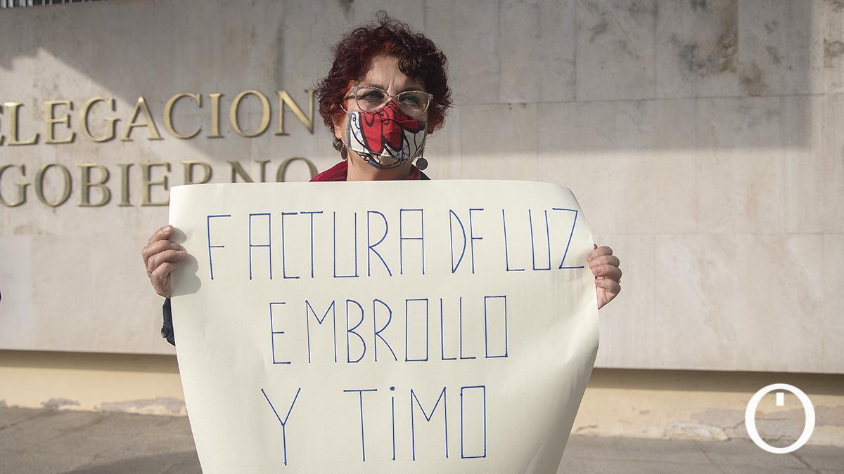 Imagen de archivo de una protesta contra la subida del precio de la luz.