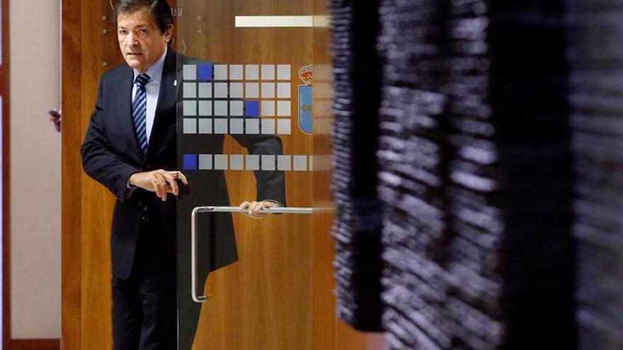 Javier Fernández: El triunfo del soberanismo pondría en riesgo las pensiones