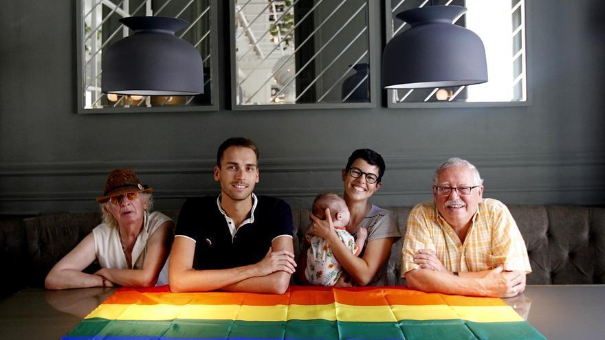 José Manuel, Israel, Celeste y José María comparten impresiones sobre las reivindicaciones LGTB / Marta Jara