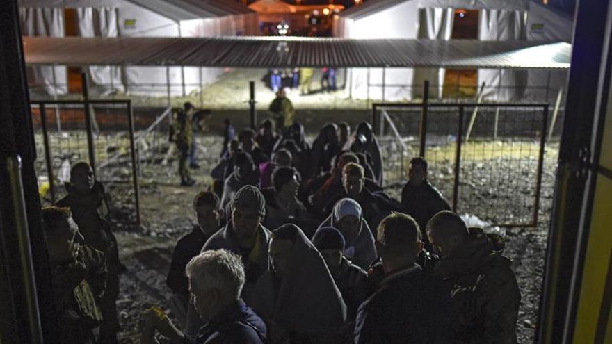 HRW denuncia que las autoridades húngaras no alimentan a solicitantes de asilo