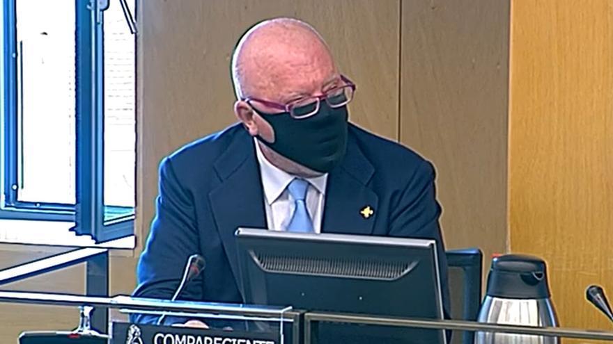 El comisario jubilado Josñe Manuel Villarejo, en su comparecencia ante la Comisión  Kitchen