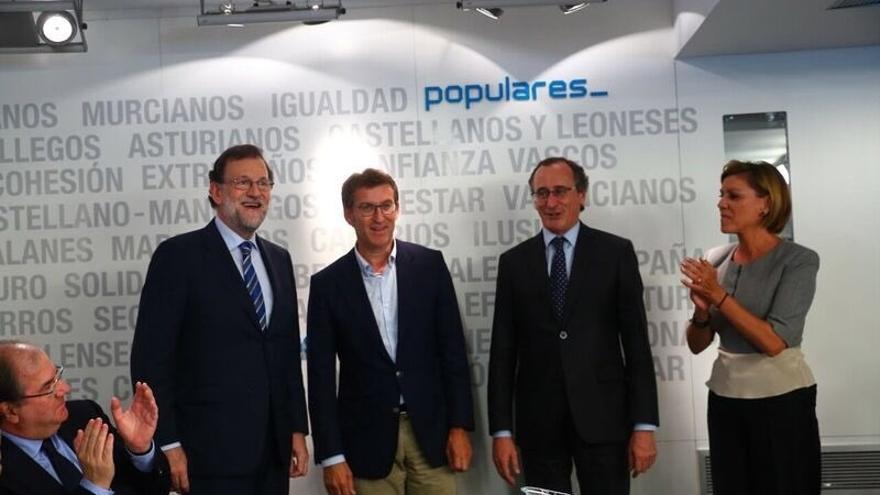 """Rajoy mantiene su oferta al PSOE y admite que esperará a ver """"cómo evolucionan los acontecimientos"""" con Sánchez"""