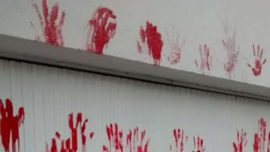 Pintadas en la clínica El Bosque de Madrid