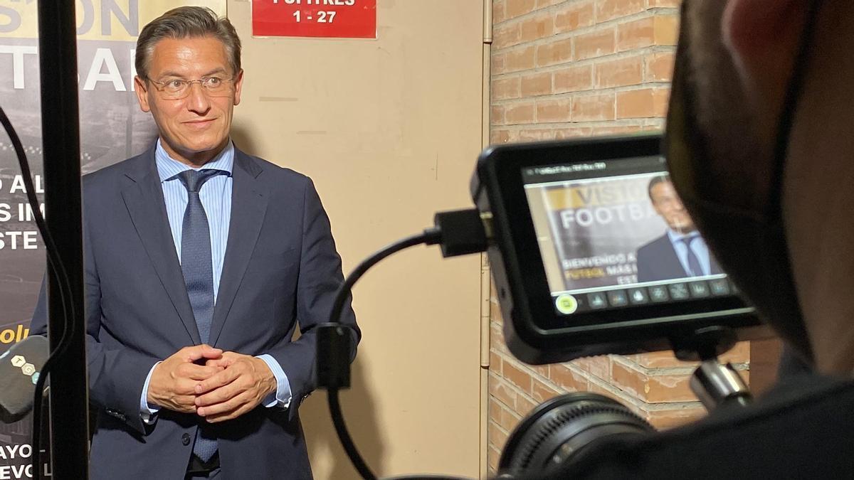 Luis Salvador se niega a dimitir