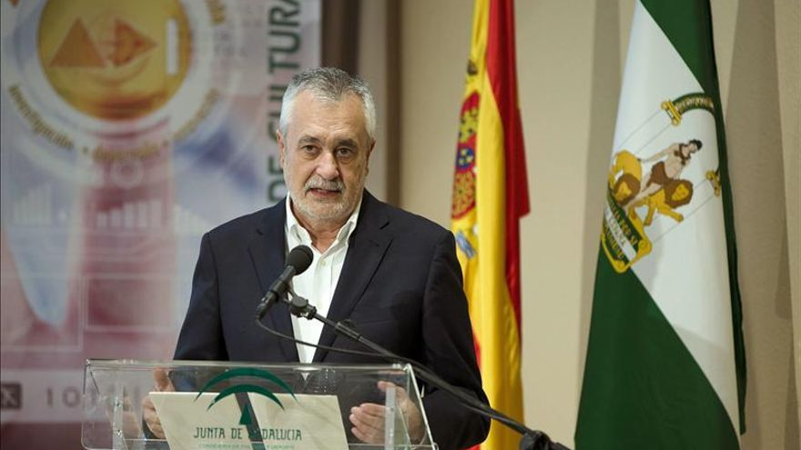 Griñán asegura que dimite para que ningún escándalo salpique a Andalucía