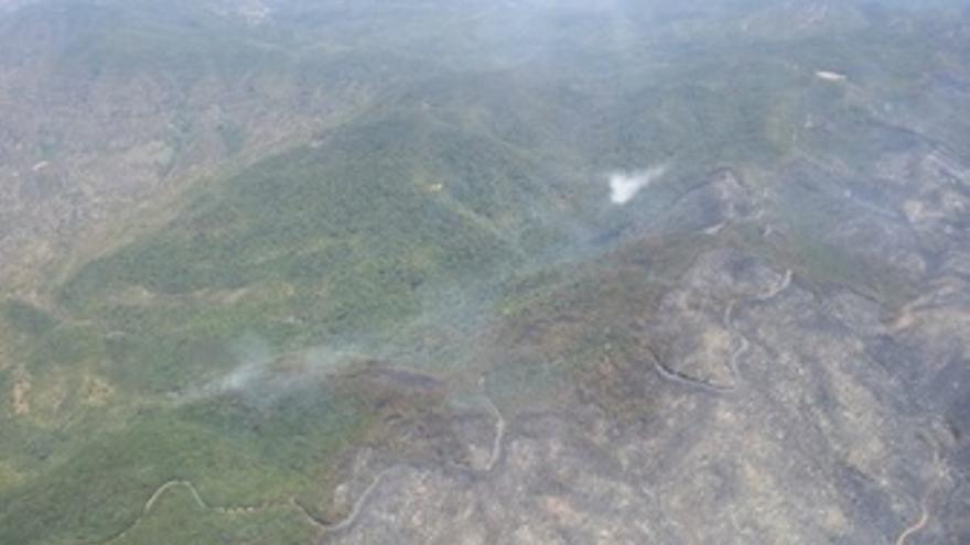 Vista aérea del frente del incendio de La Gomera