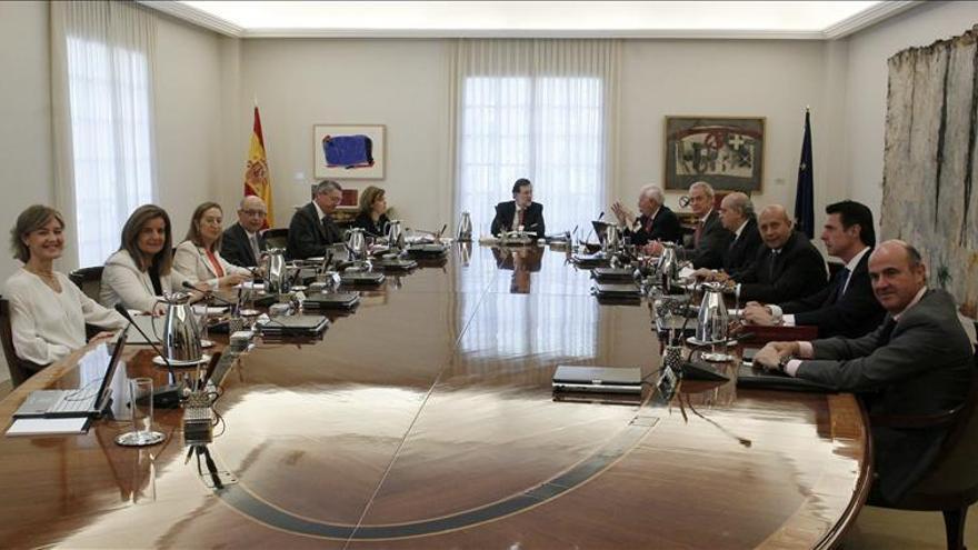 Reunión extraordinaria del Consejo de Ministros tras la abdicación del rey. / EFE