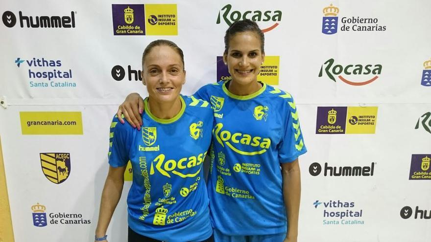 Silvia Navarro y Almudena Rodríguez, jugadoras del Rocasa.