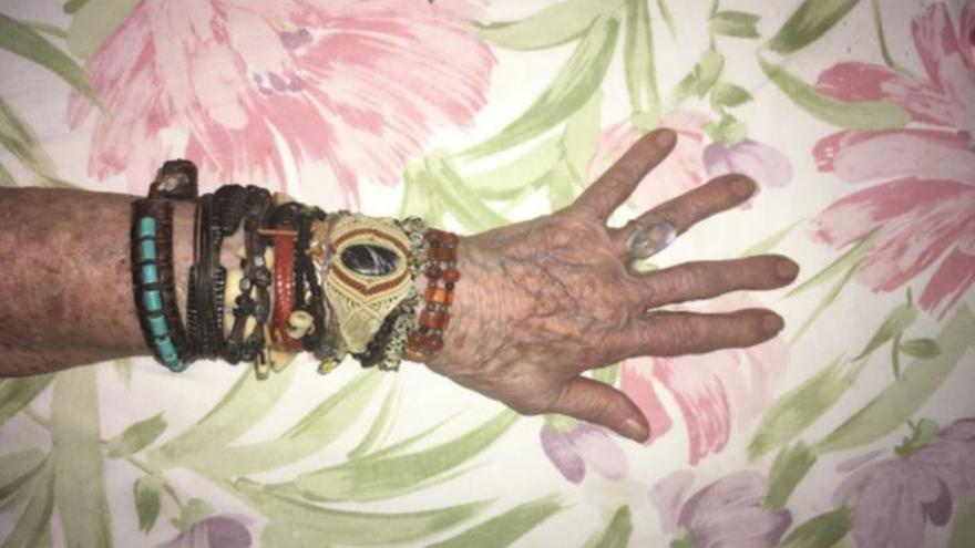 La mano de Mixín, por Clara Piazuelo CC BY SA